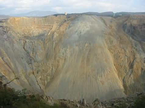 Stari površinski kop u Boru